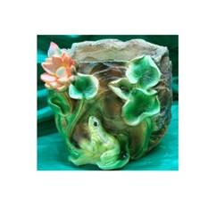 Кашпо «Камень с лягушкой и лотосом»