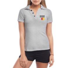 Серая именная женская футболка-поло Она бесценна