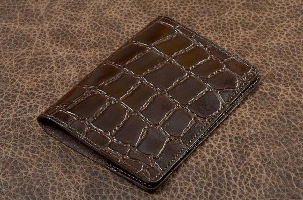 Обложка для паспорта (коричневый, крокодил, кожа)