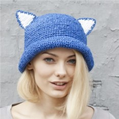 Синяя летняя шляпа с ушками из рафии