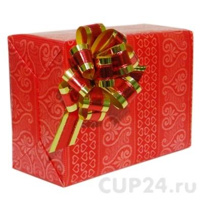 Яркая красная подарочная упаковка