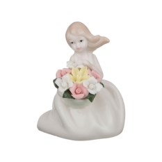 Фарфоровая статуэтка Девушка с цветами, высота 8,8 см