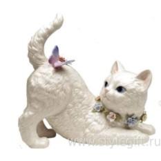 Музыкальная фарфоровая фигурка Кошка с бабочкой