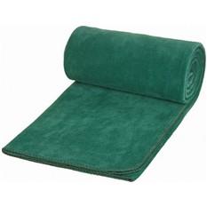 Зеленый плед в чехле