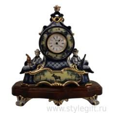 Часы из фарфора Охотники