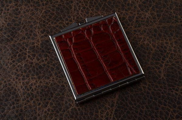 Карманное зеркальце (красный крокодил)
