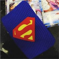 Вязаный чехол на планшет Супермен