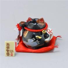 Японский кот-копилка Манеки-неко Защита от злых сил