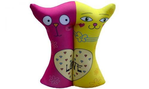 Декоративная подушка Влюбленные кошечки