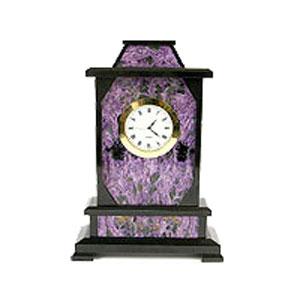 Настольные часы из камня
