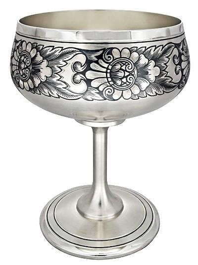 Серебряный бокал для вина