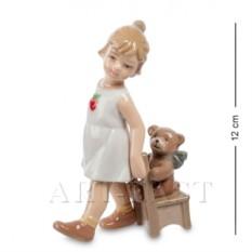 Фигурка Девочка с медвежонком (Pavone)