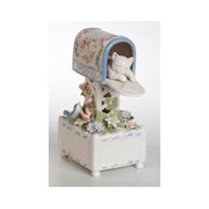 Музыкальная статуэтка «Котенок в почтовом ящике»