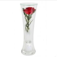Композиция из красной розы в стекле