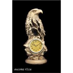 Декоративные настольные часы с фигурой орла