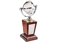 Награда «Глобус», на постаменте