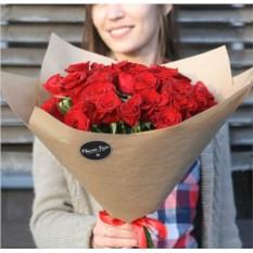 Букет из 35 красных роз высотой 40 см
