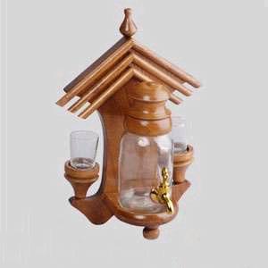Бутыль на настенной подставке с 2 стаканчиками