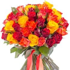 Букет цветов 71 роза микс (40 см.)