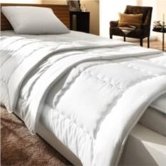 Элитное легкое одеяло Exquisit-Satin от Brinkhaus