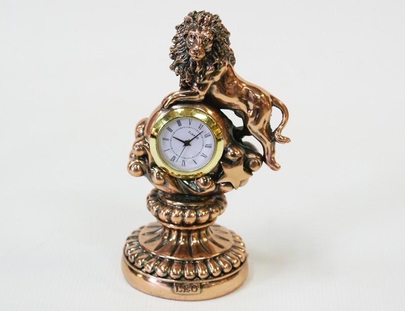 Статуэтка с часами Лев
