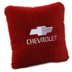 Бордовая с белой вышивкой подушка Chevrolet