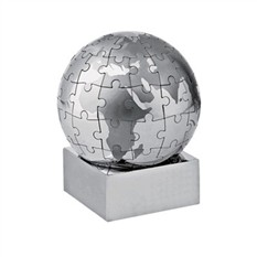 Настольная головоломка Земной шар в виде пазлов на магните