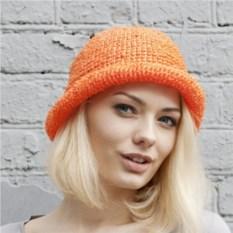 Оранжевая летняя шляпа из рафии