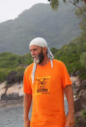 Футболка оранжевая мужская Санитары шервудского леса