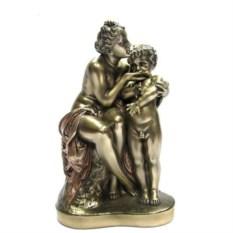Декоративная фигурка Рейнгольд Бегас. Венера утешает Амура