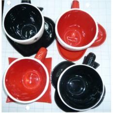 Керамическая чашка с блюдцем Черви