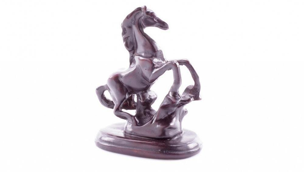 Статуэтка в виде лошади, мраморная крошка