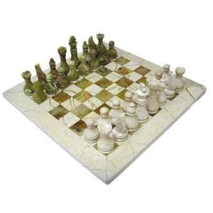 Каменные шахматы из яшмы и оникса