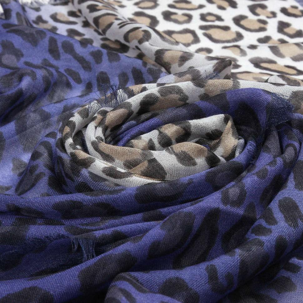 Утепленный палантин с леопардовой расцветкой Valentino