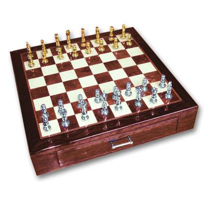 Шахматы из эбенового дерева