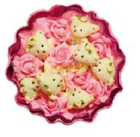 Букет из игрушек Мишки с розовыми розочками