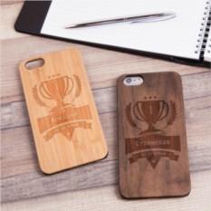 Деревянный чехол для iPhone Кубок с гравировкой