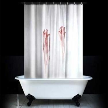 Кровавая штора для ванной