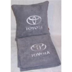 Серый плед с белой вышивкой Toyota