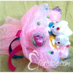 Букет с кошечками Hello Kitty и Kinder Surprise