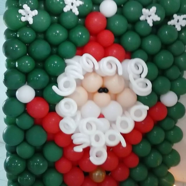 Панно из шаров «Дед Мороз»