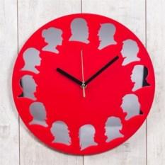 Красные настенные часы Классики