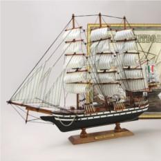 Модель парусника Amerigo Vespucci