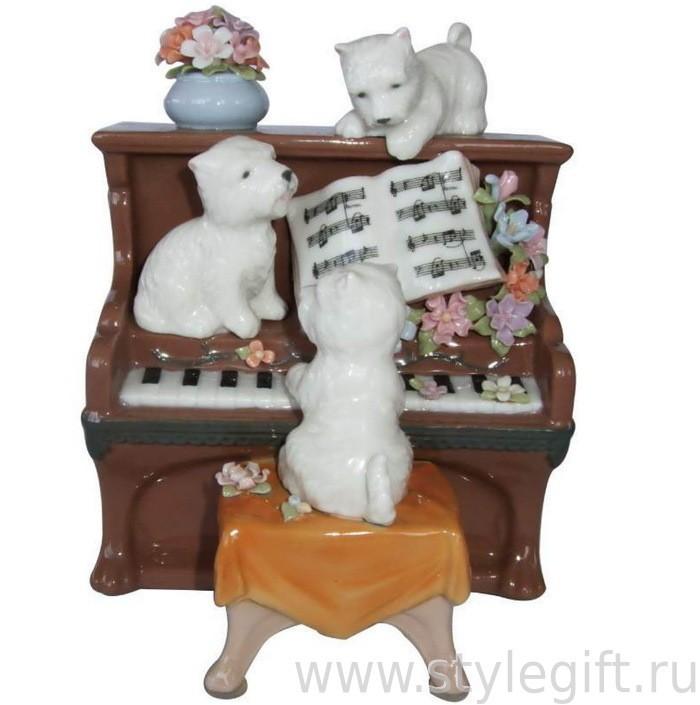 Музыкальная фарфоровая фигурка Щенки на пианино
