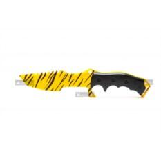 Охотничий нож из дерева Зуб тигра