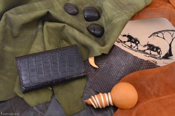 Кожаный чехол для телефона Охота на аллигатора