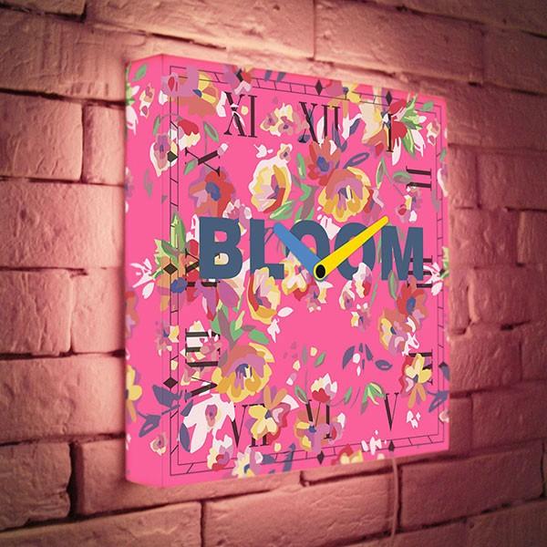 Настенные часы с подсветкой Pink Bloom