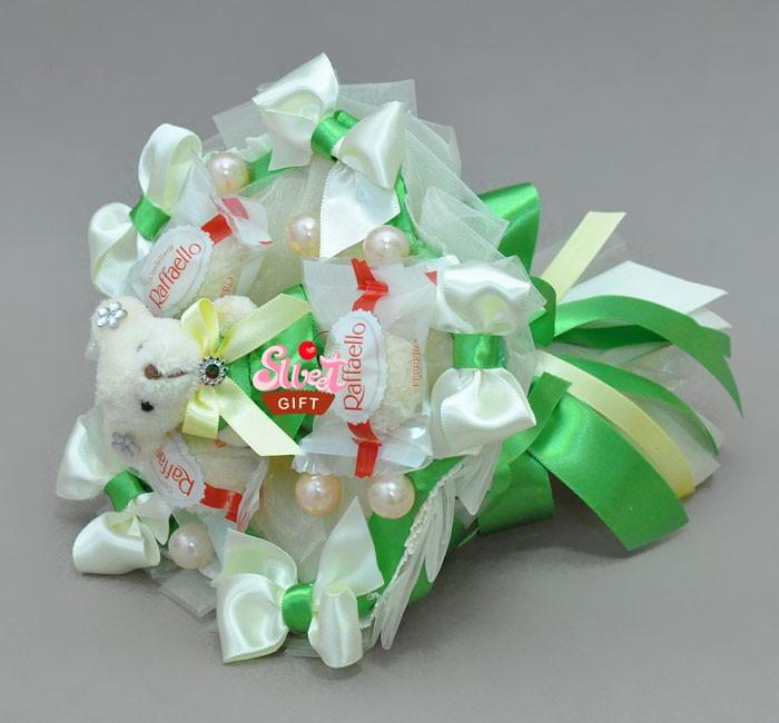 Букет из конфет и мягких игрушек Свежая мята
