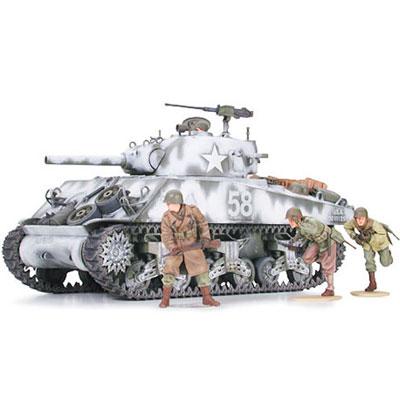 Американский танк М4А3 Sherman c 105-мм пушкой