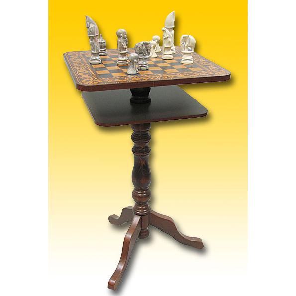Стол с шахматной доской